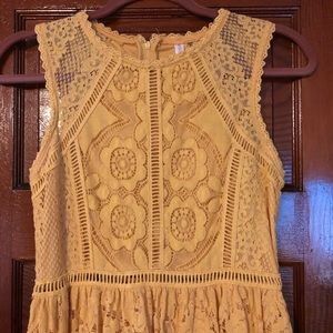 Yellow lace mini dress XS